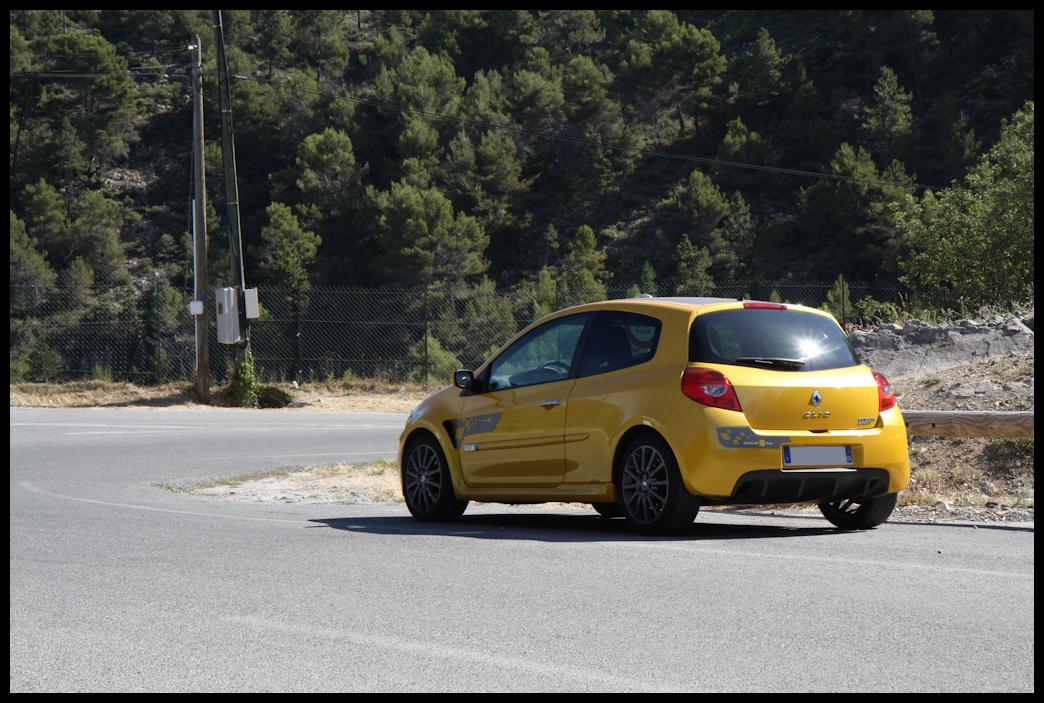 speedy renault clio 3rs r27 jaune sirius votre voiture. Black Bedroom Furniture Sets. Home Design Ideas